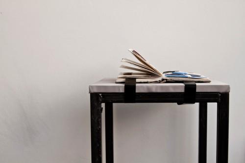 julia-moser-foto-vera-rupp-buch-mit-materialproben
